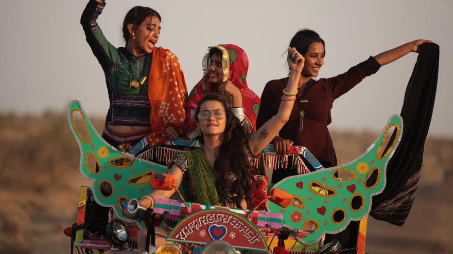 """""""La estación de las mujeres"""" de Leena Yadav. Surtsey Films."""