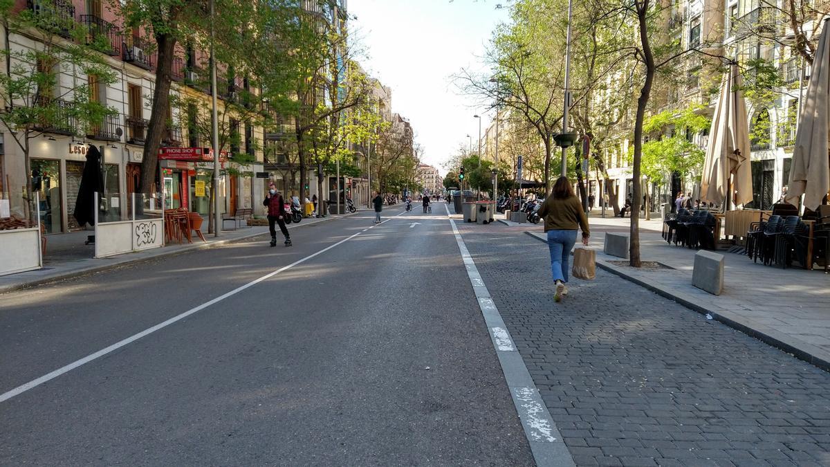 Calle Fuencarral, durante uno de sus domingos peatonales