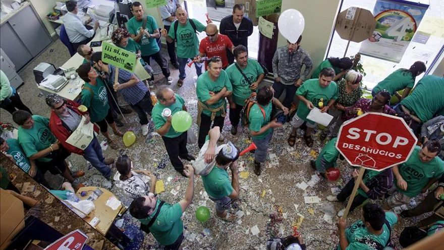 PAH insta a los ayuntamientos a recuperar las viviendas vacías en manos de los bancos