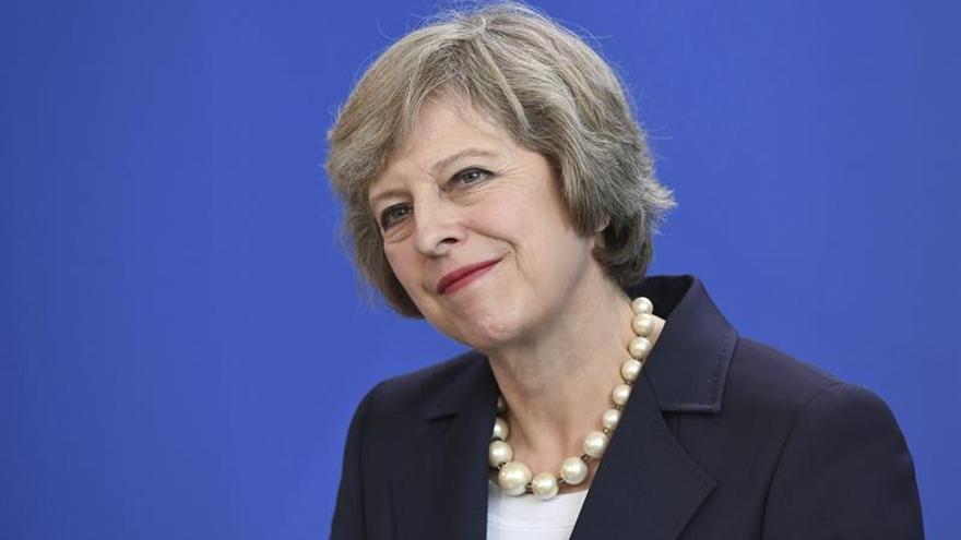 """May se reúne con su colega irlandés para tratar el """"brexit"""""""