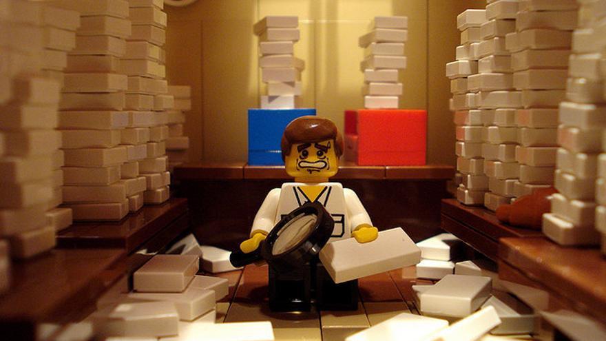 La despensa de los medios puede ser un buen flotador, si se abre. Imagen (cc) Profound Whatever @Flickr