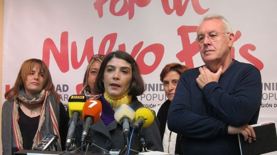 """Cayo Lara denuncia """"irregularidades"""" por el """"veto"""" a IU en debates y por las """"trabas"""" a votantes desde extranjero"""
