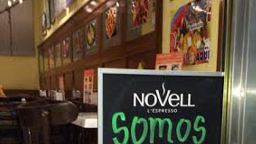 Pizarra con mensaje. Café en C.C. Alcalá Norte, Madrid