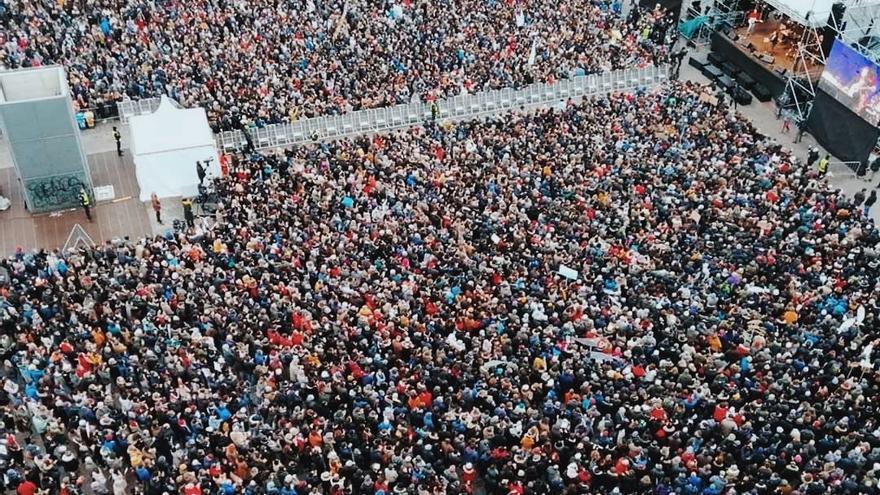 Imagen aérea de la protesta del movimiento 'Sardinas' este domingo 19 de enero.