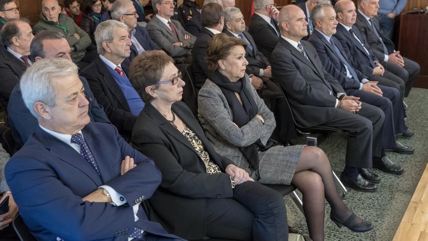 """Defensas del caso ERE piden excluir el delito de asociación ilícita y acusan al PP de """"politizar"""" el juicio"""