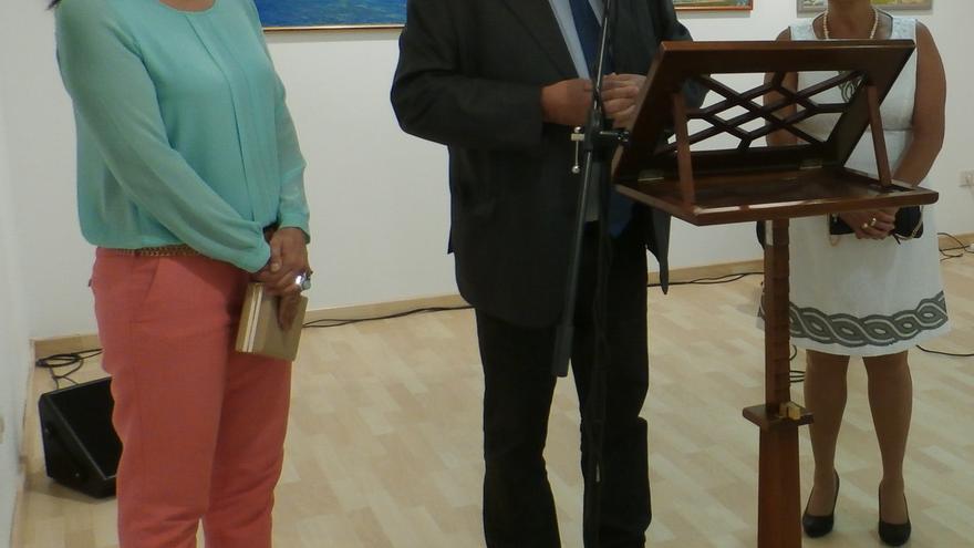 En la imagen, acto de inauguración de la exposición de Ernst-Jürgen Koch.