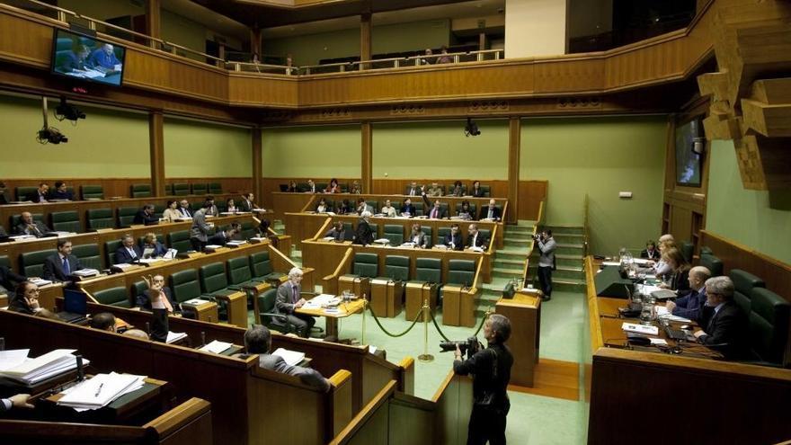 Los desahucios dividen el Parlamento vasco entre los bloques PNV, PP y UPyD frente a EH Bildu y PSE