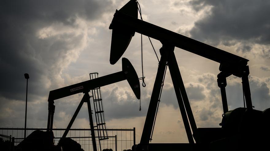 La demanda de petróleo a nivel mundial se hundirá en 20 millones de barriles diarios en abril, según la OPEP