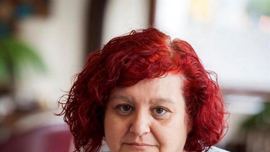 La egiptóloga Candelaria Martín del Río, que ha estudiado los peines y agujas de pelo del período predinástico y dinástico temprano en el Alto Egipto para su tesis / Rmón de la Rocha/EFE