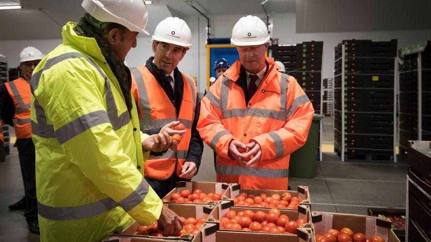 Inauguración de las nuevas instalaciones de la Canary Fruit Terminal en el puerto de Southampton
