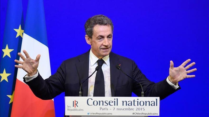 Sarkozy respalda el estado de emergencia y pide firmeza contra el terrorismo