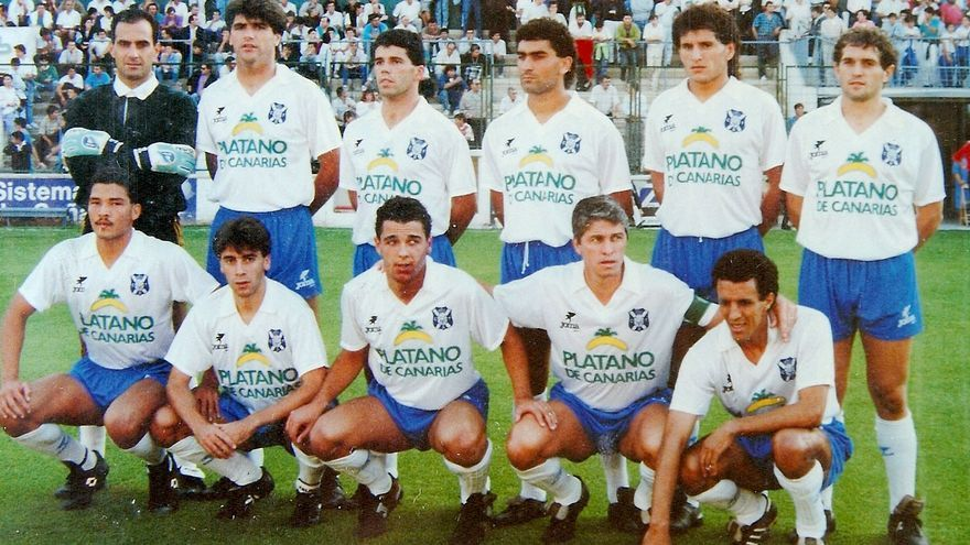 Formación del CD Tenerife de la temporada 1989/90.
