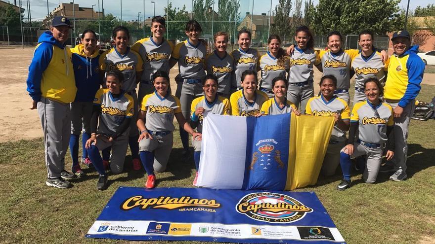 Equipo senior de Softbol Capitalinos de Gran Canaria.