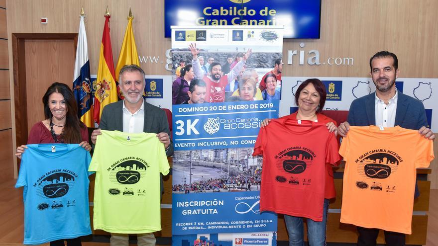 Francisco Armas, Ángel Víctor Torres y Carmen Luz Vargas en la presentación de la carrera '3K accesible'.