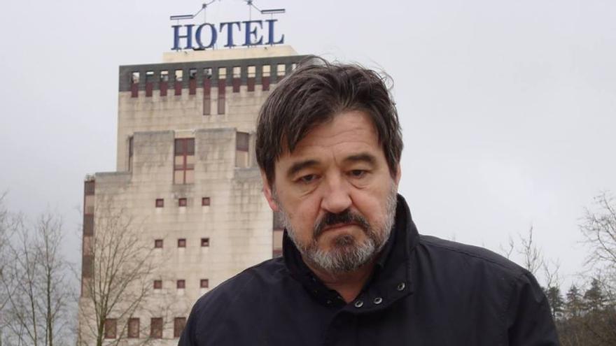 Karmelo C. Iribarren, poeta