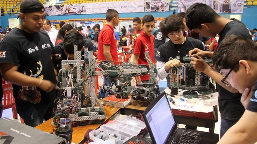 México enviará a 50 estudiantes al Mundial de Robótica de EE.UU.
