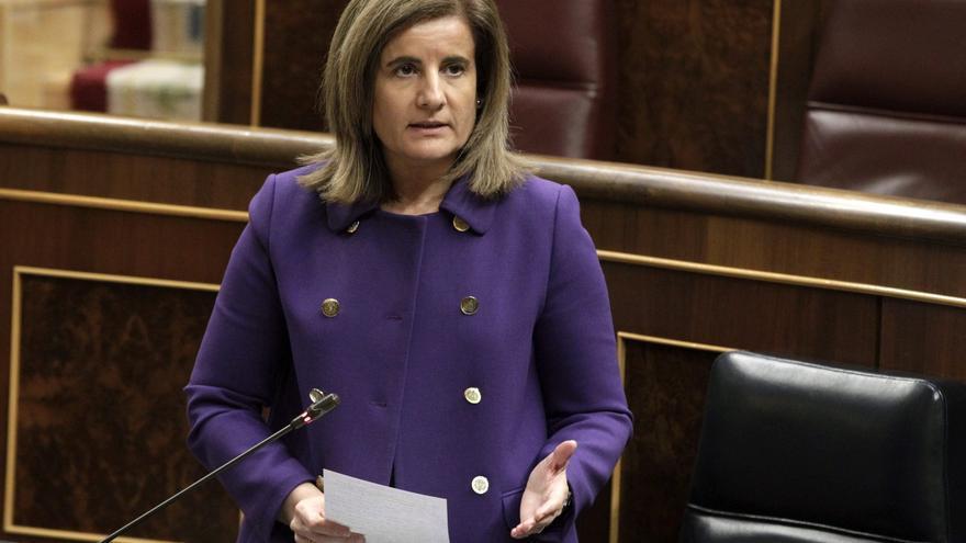 Báñez dice que hay que seguir con las reformas a pesar de la caída del paro