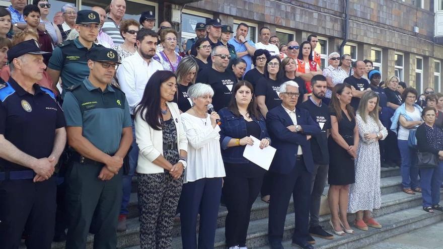 Asistentes a la concentración en Vilalba contra el crimen machista