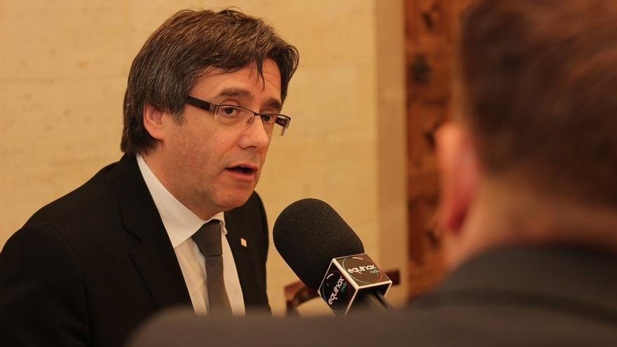 Puigdemont afirma que el referéndum no será como el 9N y que valdrá el 50% de los votos más uno