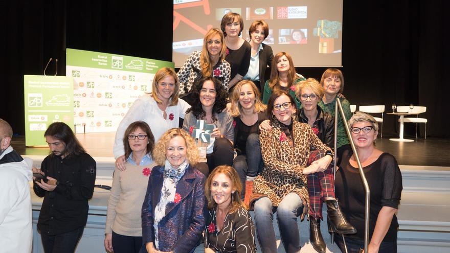 Las integrantes del blog Doce Miradas en la entrega de los Premios del Periodismo Vasco 2018
