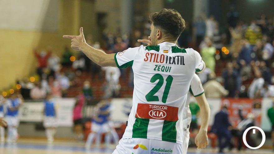 Zequi celebrando uno gol en Vista Alegre