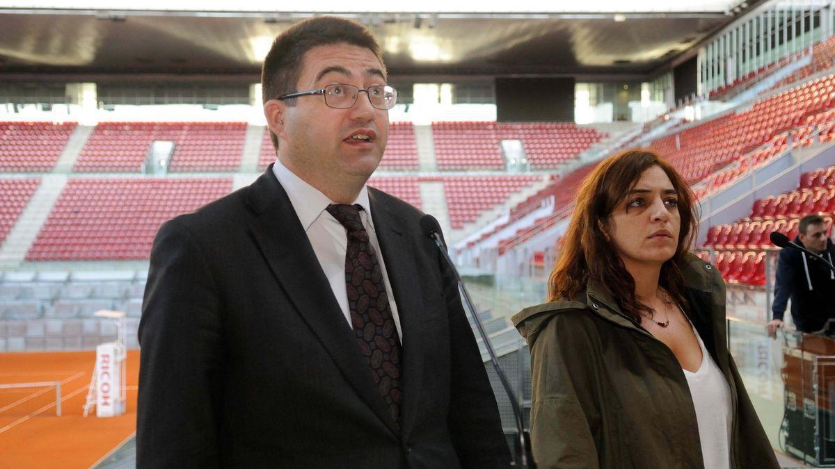 Carlos Sánchez Mato y Celia Mayer en la Caja Mágica.