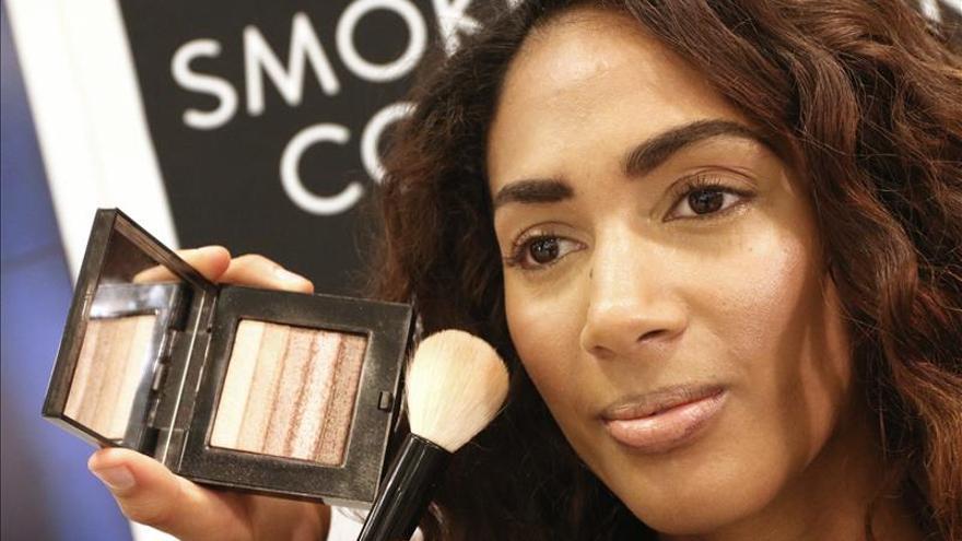 Las ventas en perfumería y cosmética subirán un 1,8 % en 2015, según D&B