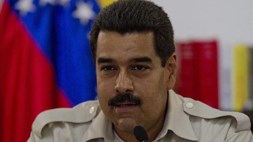 EE.UU. admite que trabaja con el Gobierno de Maduro pero evita reconocerlo