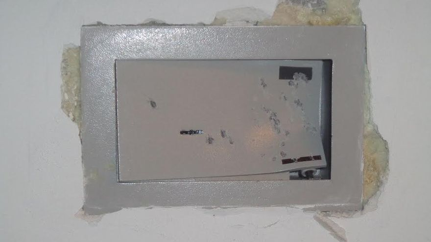 En la imagen, una caja fuerte de una vivienda 'reventada' en un robo.