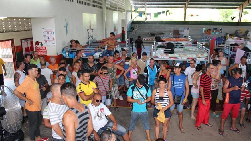 Unos 4.100 migrantes cubanos siguen varados en Costa Rica