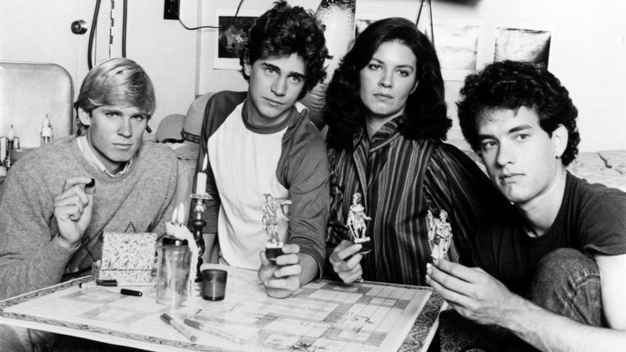 David Wallace, Chris Makepeace, Wendy Crewson y Tom Hanks en 'Mazes and Monsters' (1982), cuando Dungeons & Dragons eran cool