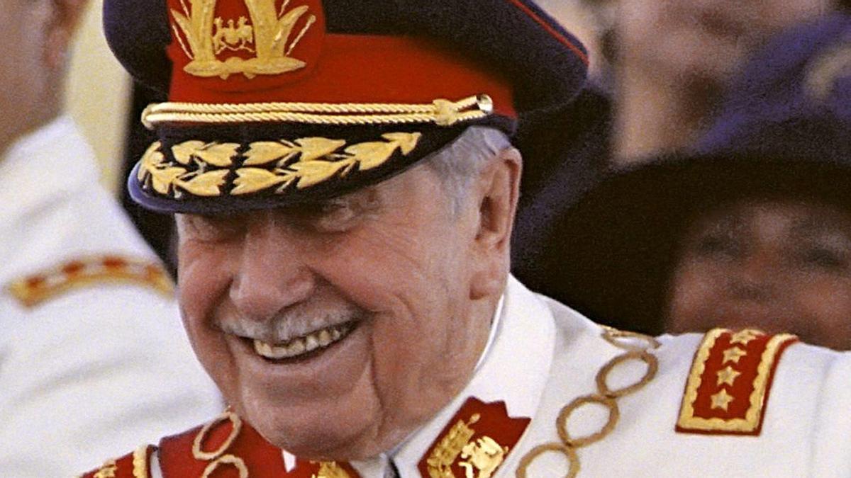 El ex dictador chileno Augusto Pinochet . EFE/Archivo/Marco Mesina