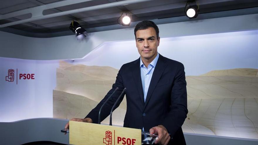 Sánchez pide que se decida entre una gestora y abstención o un Congreso