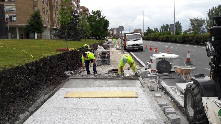 Instalado en Pamplona un pavimento que reduce la contaminación
