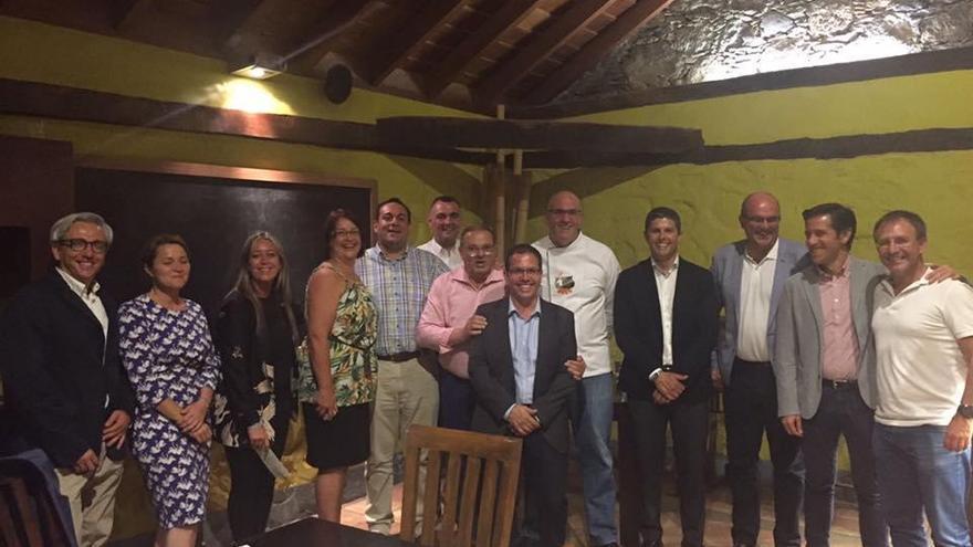 En la imagen,  asistentes a la cena ofrecida por la AGAP.