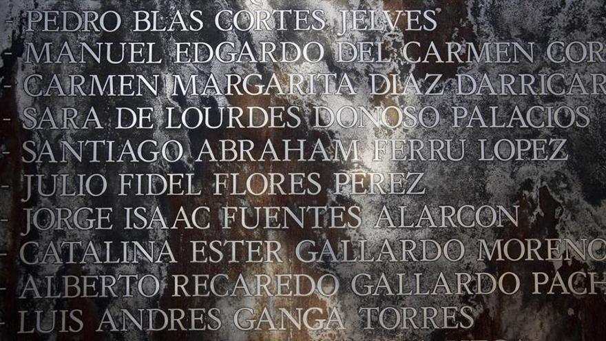 Ministros chilenos visitan sitios de memoria a 43 años del golpe de Pinochet