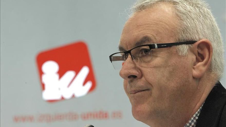 """Cayo Lara afirma que Cospedal es """"un problema para la democracia, para el PP y para Castilla-La Mancha"""""""