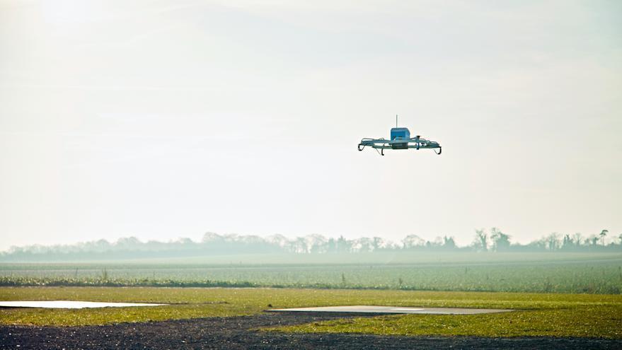 Dron en reparto