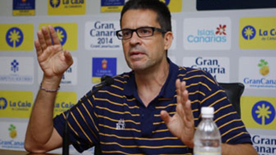 Pedro MArtínez, durante una rueda de prensa reciente. (www.cbgrancanaria.net)