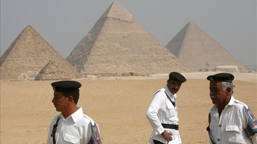 Condenados tres alemanes a cinco años de cárcel en Egipto por el robo de antigüedades