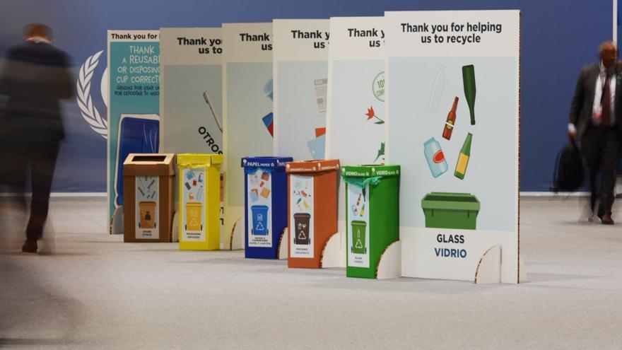 Cubos de reciclaje en IFEMA