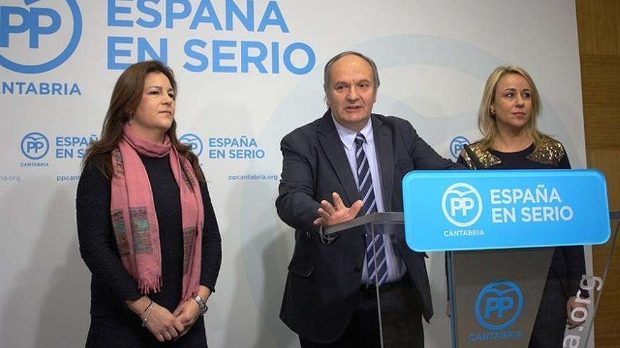 """Los senadores del PP cántabro califican de """"mercadeo"""" que el PSOE ceda a los suyos a los independentistas"""
