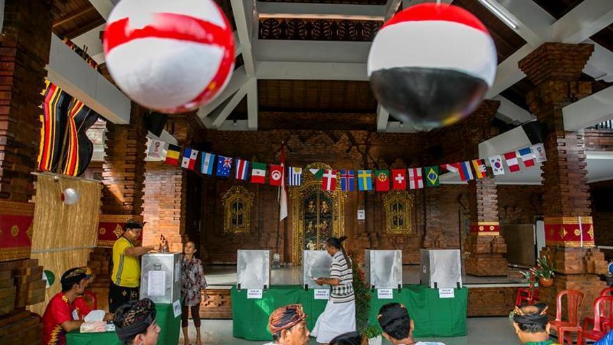 Unos 150 millones de indonesios llamados a las urnas en elecciones regionales