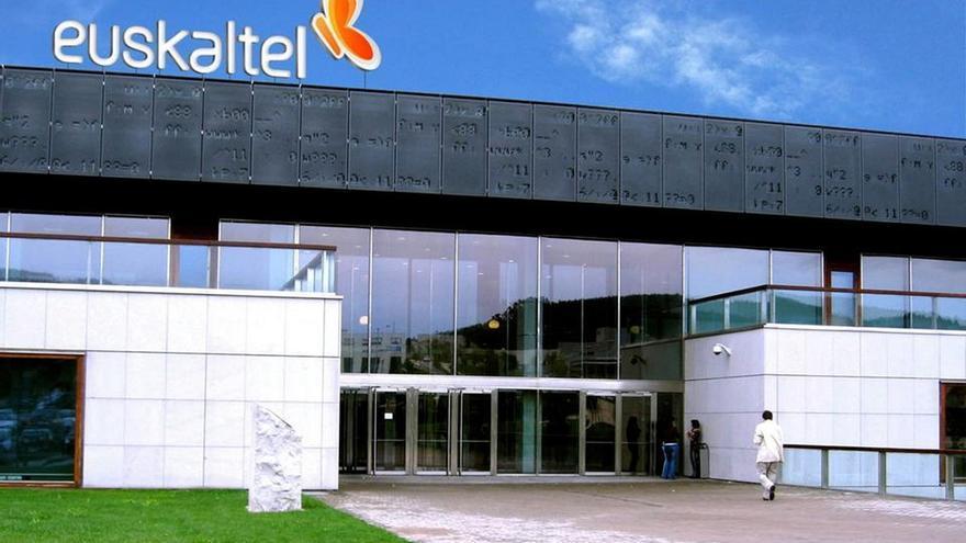 El CEO de Euskaltel comunica al comité 25 despidos, 10 en R, siete en Telecable y ocho en Euskaltel