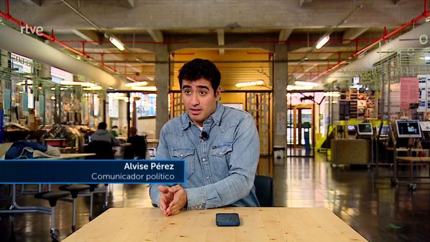 TVE se convierte en altavoz de las fake news de Alvise Pérez al  entrevistarle como experto en 'Informe Semanal'