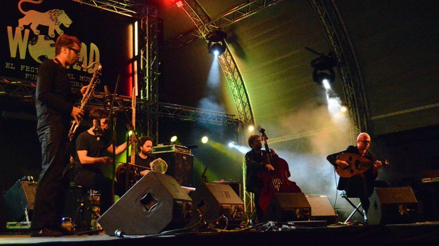 Actuación de L'Hijâz'Car durante el Womad Fuerteventura 2014 | Iago Otero Paz
