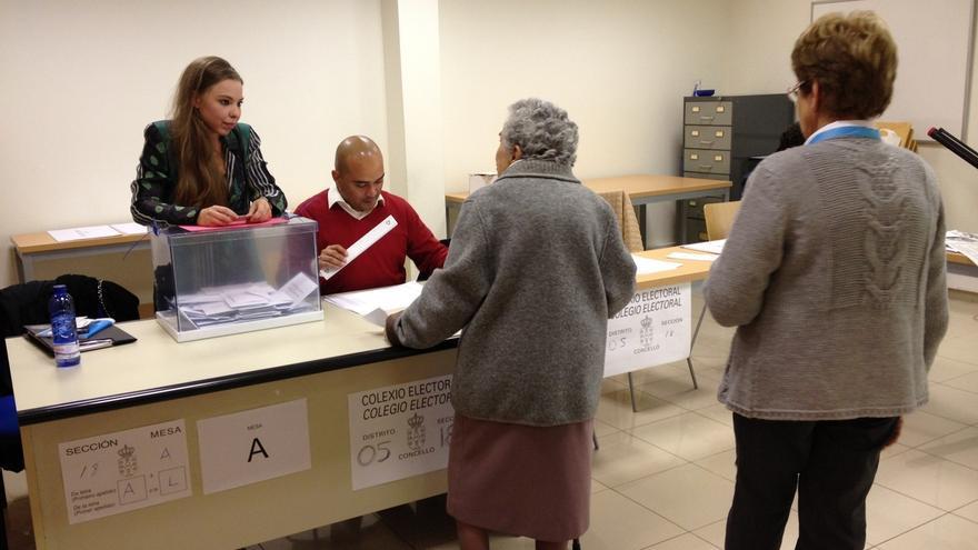 """El PP se lanza al voto moderado, PSdeG y BNG buscan """"indecisos"""" y En Marea incidirá en las urbes en la recta final"""