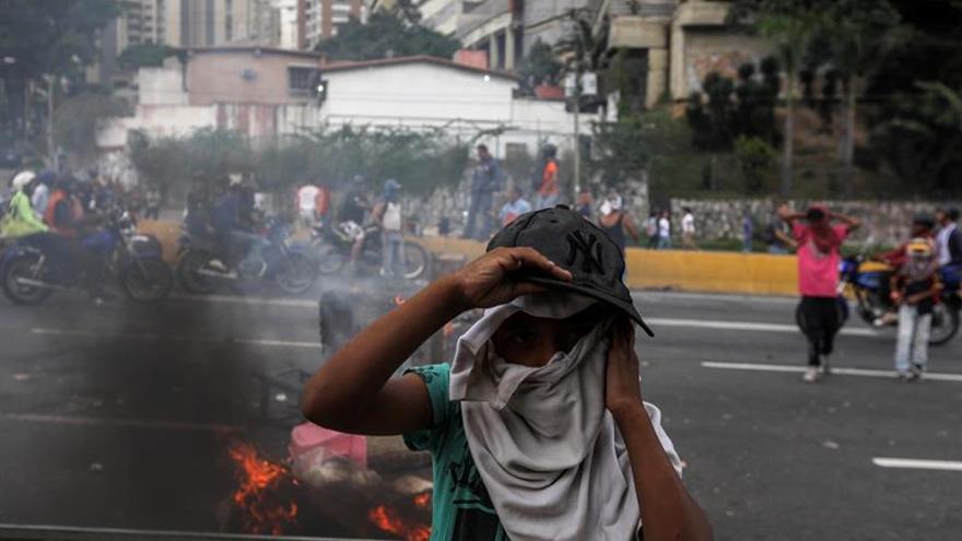 """Choques entre manifestantes y la Policía en un nuevo """"trancazo"""" en Venezuela"""
