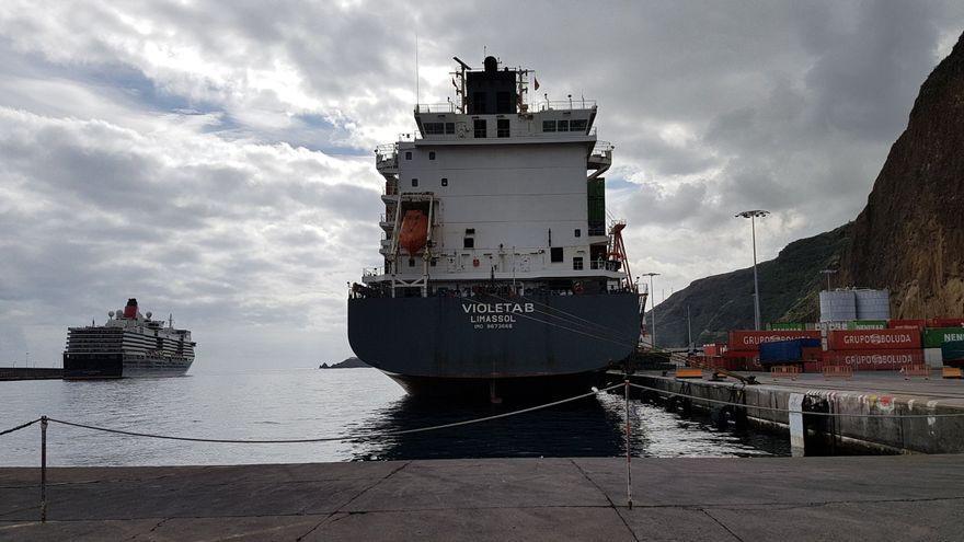 Cae en enero un 69,69% el tráfico de pasajeros en el Puerto de la capital y un 18,21% el movimiento de mercancías