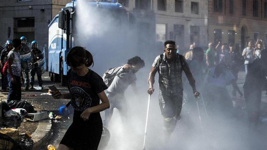 Trece heridos en Roma en enfrentamientos entre inmigrantes y la Policía